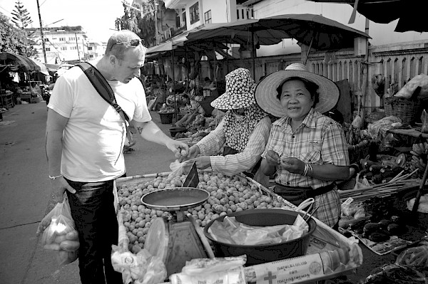 Pok Pok's Andy Ricker buying fresh food at a Thai market: Photo by Dave Reamer