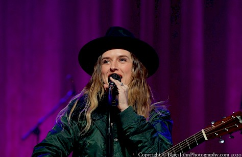 ZZ Ward, Revolution Hall, photo by John Alcala