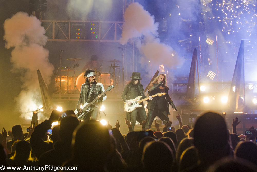 Mötley Crüe, Moda Center, Rose Quarter, photo by Anthony Pidgeon