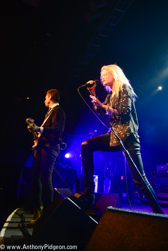 The Kills, Roseland Theater, photo by Anthony Pidgeon