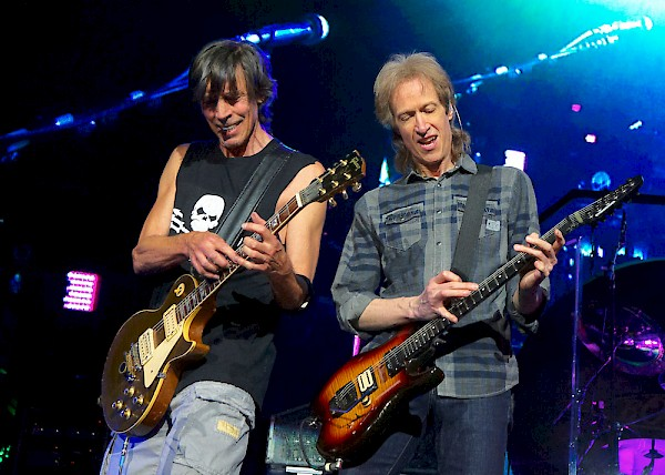 Boston founder Tom Scholz and guitarist Gary Pihl: Photo by Bob Summers