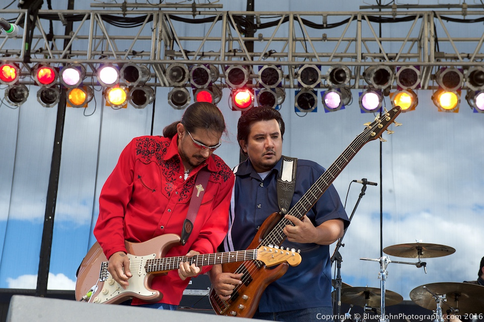 Los Lonely Boys, Clark County Fairgrounds, photo by John Alcala