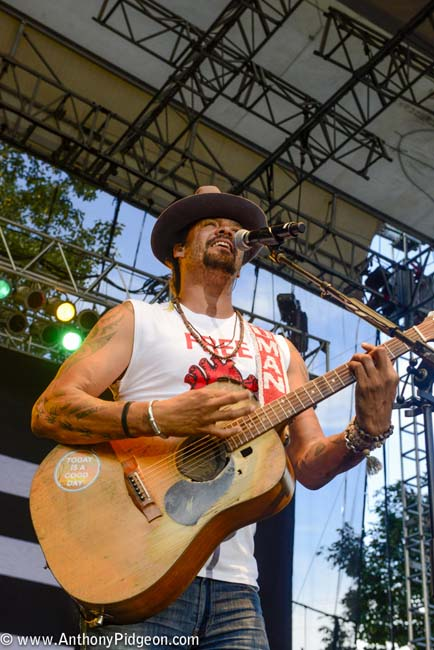 Michael Franti, Edgefield, photo by Anthony Pidgeon