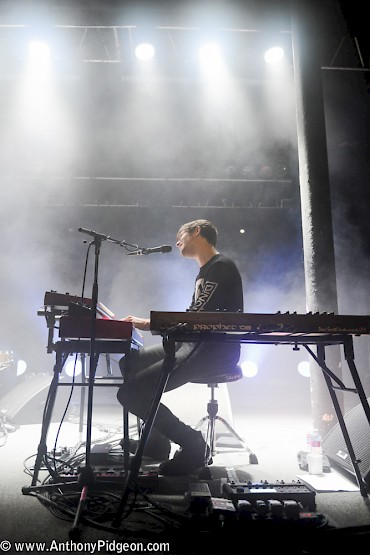 Click to see more photos of James Blake at the Roseland by Anthony Pidgeon