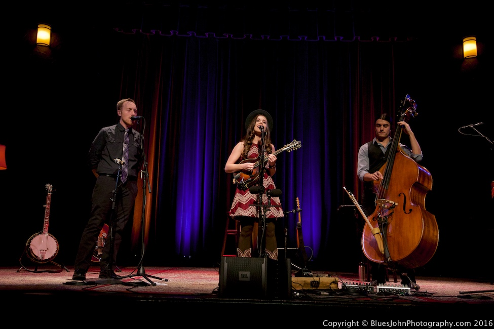 Sierra Hull, Alberta Rose Theatre, photo by John Alcala