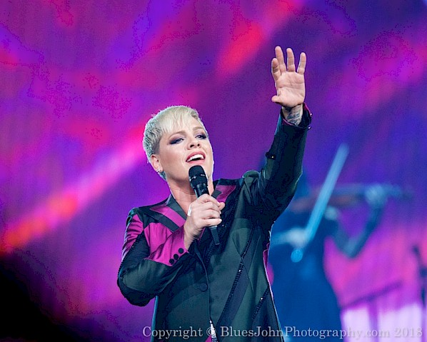 P!nk at the Moda Center on May 15, 2018. Click here for more shots by John Alcala.